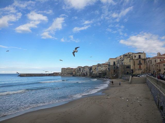Pláž Cefalú, Sicílie